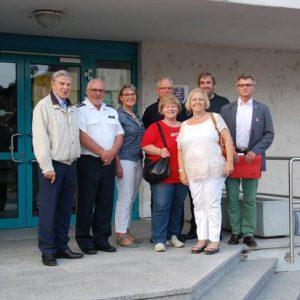 SPD Besuchergruppe mt dem Chef der hiesigen Polizei, Erster Polizeihauptkommissar Jürgen Werner
