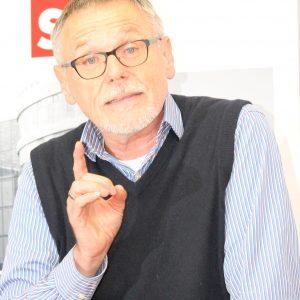 Gerhard Merz beim 10. Politischen Advent der Vilbeler SPD