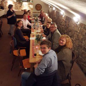Politik trifft Wein, gesellige Runde im Weinhaus Hamm in Bad Vilbel-Gronau